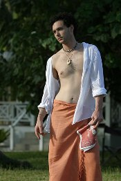 how men wear sarongs